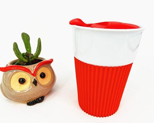 硅胶盖陶瓷杯