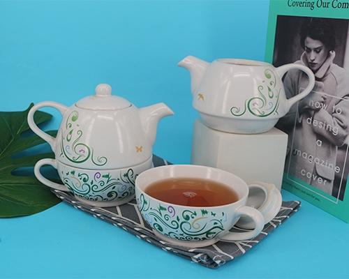 白色经典陶瓷功夫茶杯